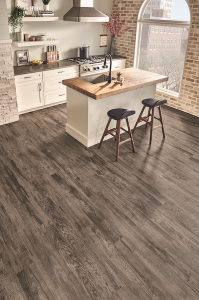 /Uploads/Public/Armstrong Flooring American Personality 12 - Lakehouse Hickory Greige Twist.jpg