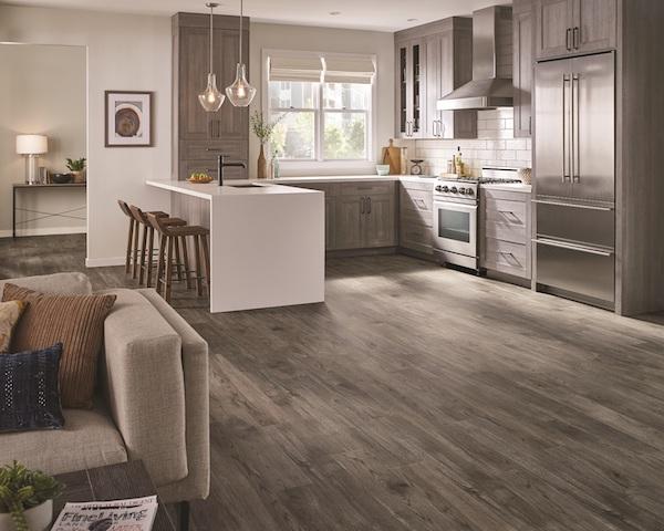 /Uploads/Public/Armstrong Flooring American Personality 12 LVT Wallingford Oak Essential Beige Aug5.jpg